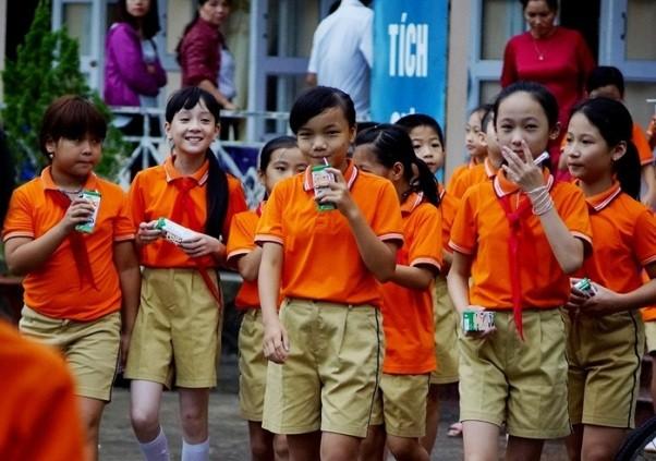 """Ba năm vẫn """"loay hoay"""", chưa có quy chuẩn cho sữa học đường? ảnh 1"""