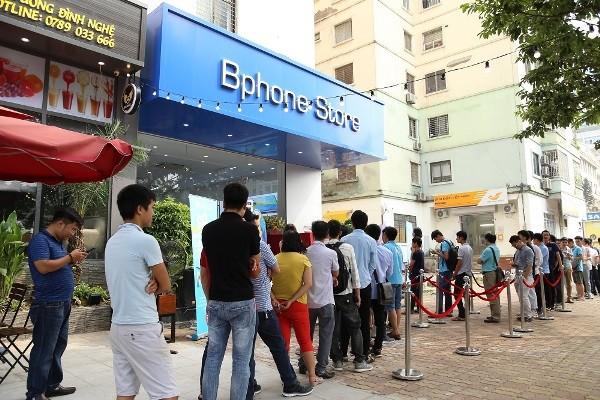 Bphone Store của Bkav tại đường Dương Đình Nghệ- Hà Nội