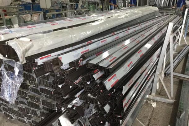 Nhôm Trung Quốc ồ ạt tràn vào, gây thiệt hại cho nền sản xuất trong nước