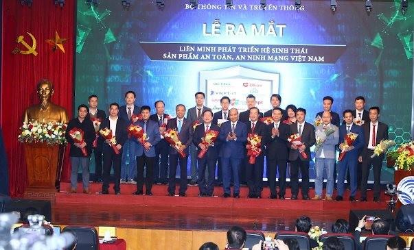 Thủ tướng Nguyễn Xuân Phúc dự lễ ra mắt Liên minh phát triển hệ sinh thái sản phẩm an toàn, an ninh mạng Việt Nam ngày 28-12