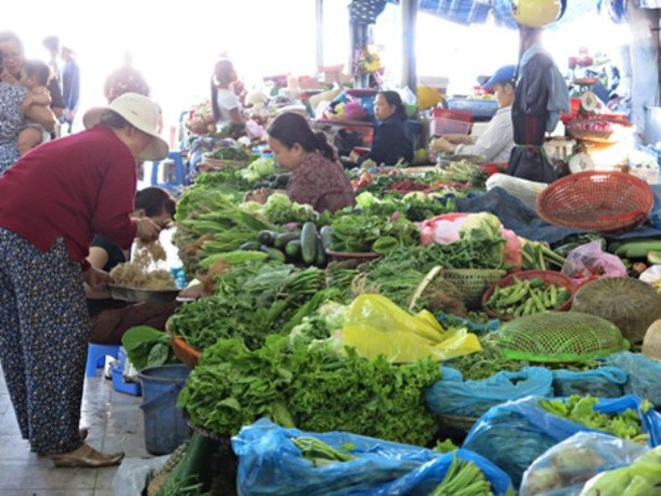 Sau Tết, giá thực phẩm, rau xanh đứng ở mức cao