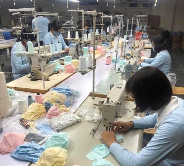 Doanh nghiệp đang dồn sức sản xuất khẩu trang, đáp ứng nhu cầu của thị trường