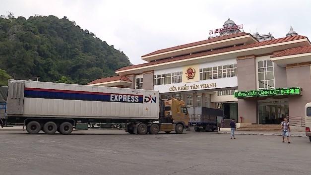 Xuất khẩu hàng hóa qua cửa khẩu Tân Thanh còn chậm