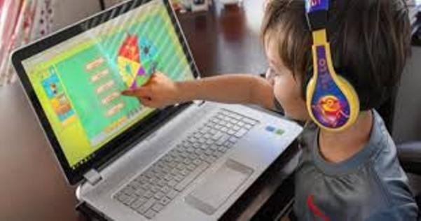 Trẻ em cần được bảo vệ trên không gian mạng