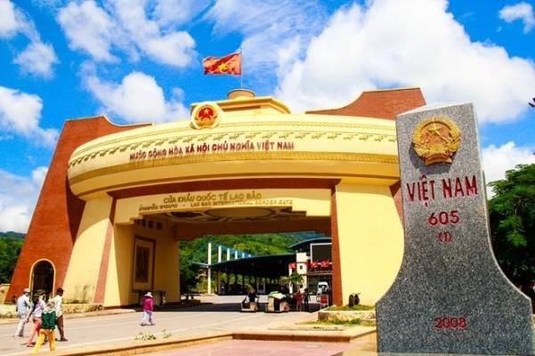 Đề nghị tháo gỡ khó khăn xuất nhập khẩu với Lào