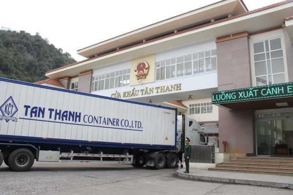 Thông quan hàng hóa tại cửa khẩu Tân Thanh đã nhanh chóng hơn