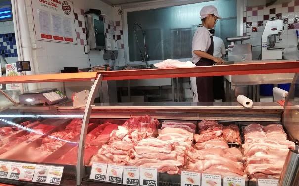 """Giá thịt lợn chưa thể """"hạ nhiệt"""" ngay lập tức"""
