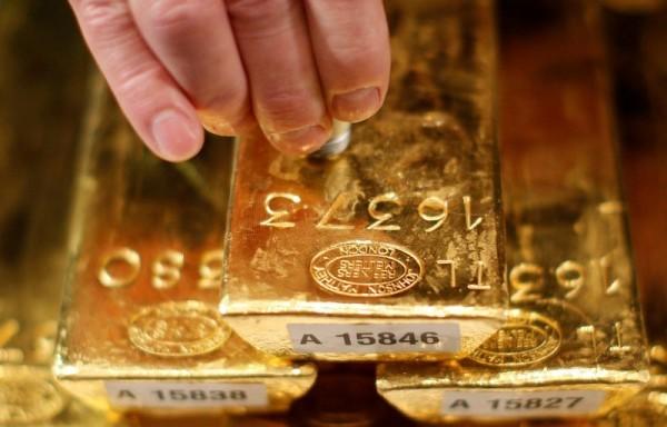 Giá vàng tháng 7 tăng mạnh nhất trong vòng 9 năm qua
