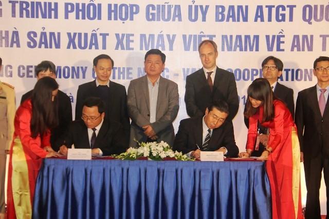 Bộ trưởng Đinh La Thăng: Cần xem xe máy hãng nào liên quan TNGT nhiều nhất