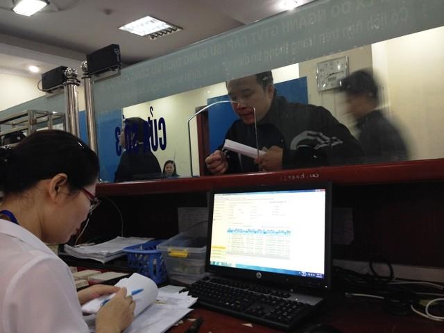 Hà Nội bắt đầu cấp, đổi giấy phép lái xe qua mạng
