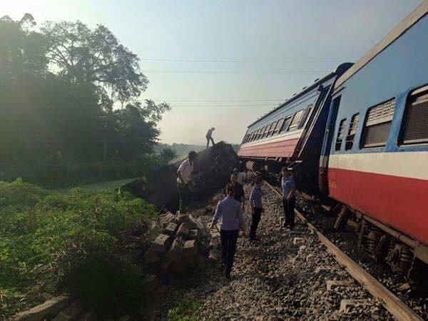 Cố tình vượt tàu hỏa, lái xe tải tử vong tại chỗ ảnh 1