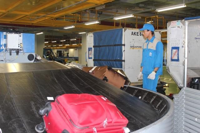 Hành lý được kiểm tra, vận chuyển như thế nào ở sân bay? ảnh 4