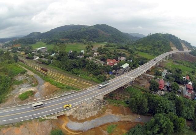 Lái xe làm mất thẻ ra vào cao tốc Nội Bài- Lào Cai sẽ bị phạt gấp đôi mức cước phí di chuyển trên lộ trình dài nhất
