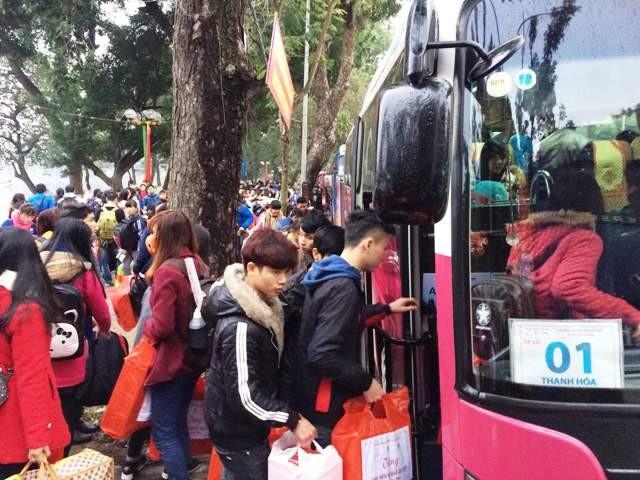 Tập trung công tác hỗ trợ công nhân, sinh viên, học sinh về quê đón Tết Nguyên đán