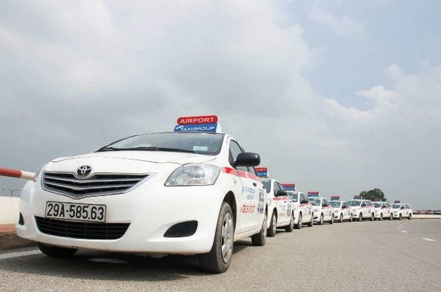 Taxi truyền thống nên tập trung cải thiện chất lượng, giá cước