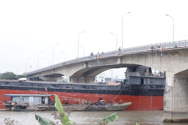 Mất 2 tháng để sửa chữa cầu An Thái bị tàu hàng đâm hư hỏng ảnh 1