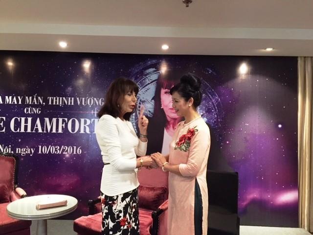 Nhà chiêm tinh học Anne Chamfort đến Việt Nam ảnh 1
