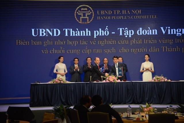 Lãnh đạo TP Hà Nội và Chủ tịch Tập đoàn Vinggroup ký kết hợp tác trong giai đoạn tới