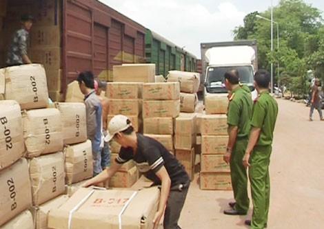 Lượng hàng hóa đang bị lực lượng chức năng tạm giữ do nghi ngờ buôn lậu