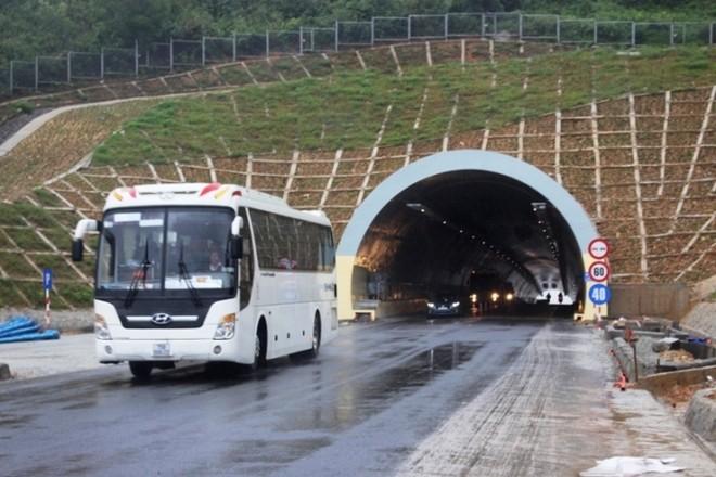 Trạm thu phí BOT hoàn vốn dự án hầm Phước Tượng- Phú Gia được cho là đặt sai vị trí và thời gian thu phí quá dài so với thực tế