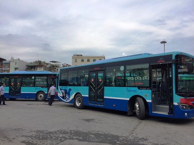 Hai tuyến buýt 36 và 38 của Transerco được thay xe mới với màu sơn và biểu tượng mới