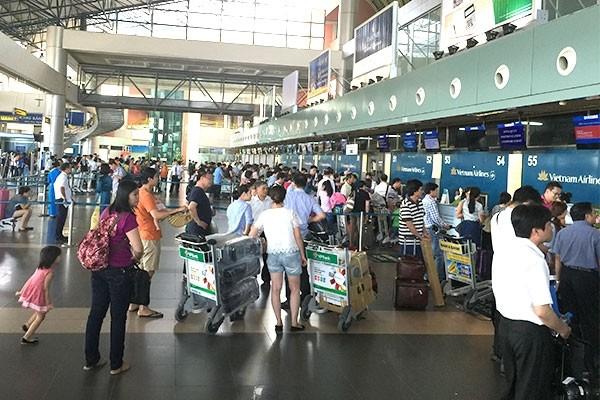 Nhân viên mặt đất của Vietnam Airlines đã bị hành khách hành hung đến bất tỉnh