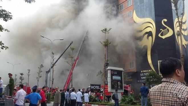 Hà Nội sẽ tiếp tục xem xét trách nhiệm cá nhân, tổ chức liên quan đến vụ cháy quán karaoke trên phố Trần Thái Tông, làm 13 người chết vừa qua