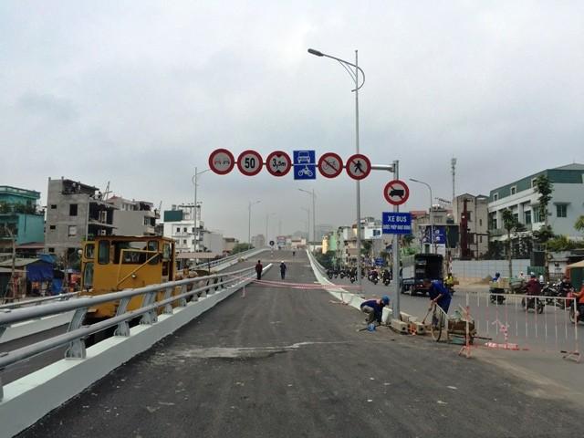 Cầu vượt Ô Đông Mác - Nguyễn Khoái sẽ chính thức được thông xe vào sáng 26/12 tới đây