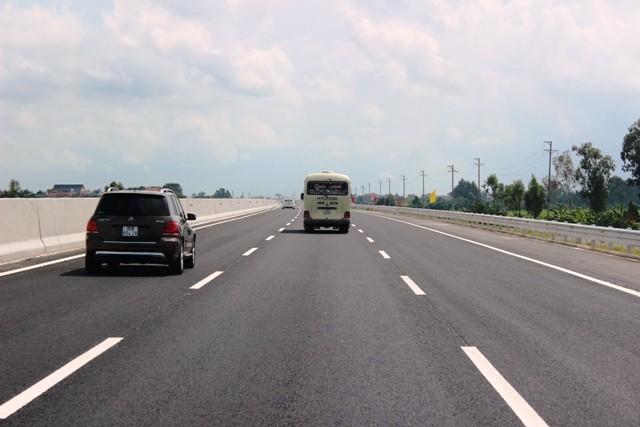 Việt Nam đã có hơn 700km đường bộ cao tốc