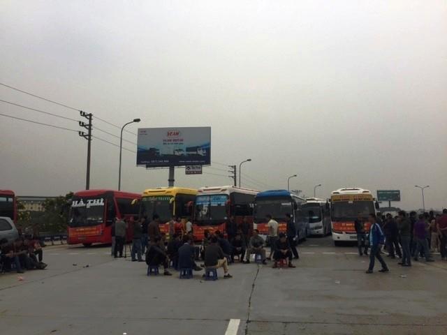 Bộ GTVT đề nghị các tỉnh, thành phố không để các doanh nghiệp vận tải điều chuyển luồng tuyến rồng rắn đưa xe về Hà Nội