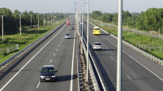 Theo tính toán, 1km đường cao tốc có giá hơn 200 tỷ đồng