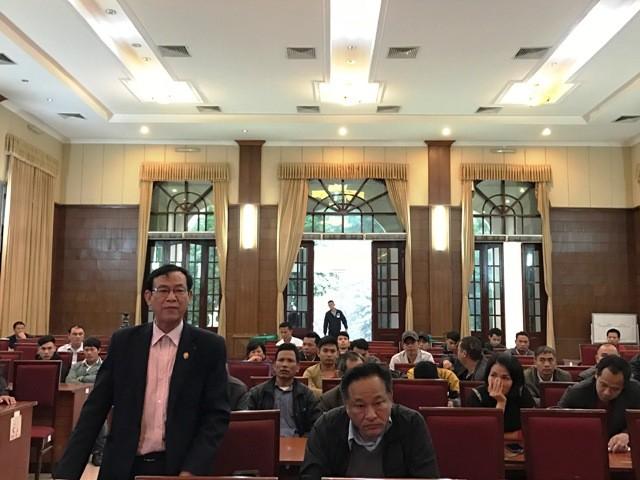 """Các doanh nghiệp vận tải """"đổ"""" về Sở GTVT Hà Nội phản đối việc điều chuyển sáng nay 15/3"""