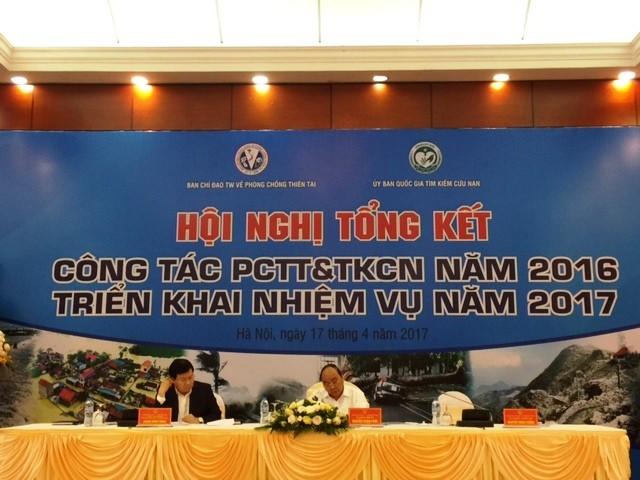 Thủ tướng Chính phủ Nguyễn Xuân Phúc chỉ đạo công tác phòng chống lụt bão năm 2017 vào chiều nay 17/4
