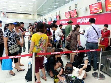 Một nhân viên hàng không tại sân bay Tân Sơn Nhất vừa bị hành khách hành hung