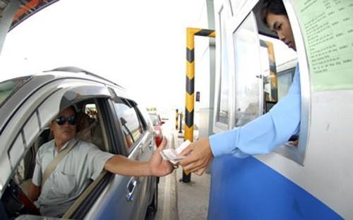 Các trạm thu phí phải mở barie miễn phí giải phóng phương tiện nếu xảy ra ùn tắc