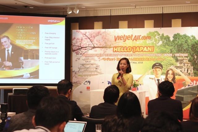 Bà Nguyễn Thúy Bình, Phó Tổng giám đốc Vietjet Air công bố mở đường bay Hà Nội- Osaka