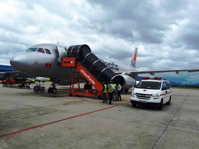 Chuyến bay BL211 của Jetstar đã phải hạ cánh khẩn để cấp cứu 1 khách ngất xỉu