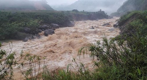 Mưa lũ tại các tỉnh miền núi phía Bắc đã làm 8 người chết và mất tích