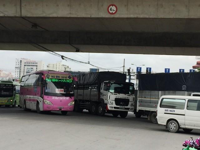 Nút giao Pháp Vân- QL1 thường xuyên ùn tắc