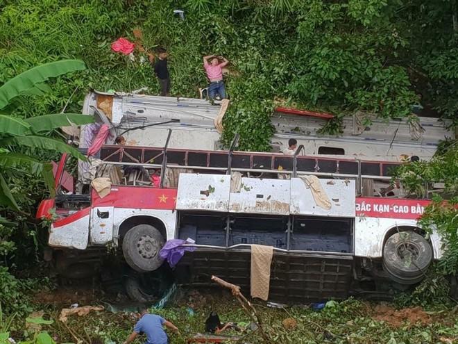 Hiện trường vụ tai nạn nghiêm trọng ở đèo Cao Bắc, Cao Bằng
