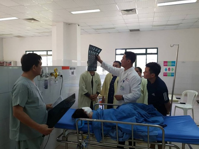 Hiện có 3 bệnh nhân bị thương trong vụ tai nạn ở Quảng Nam sáng sớm nay được cấp cứu tại bệnh viện
