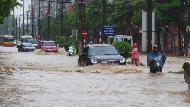 Các tỉnh Bắc bộ trong đó có Thủ đô Hà Nội từ giữa tuần này có mưa lớn do ảnh hưởng của áp thấp nhiệt đới mạnh lên thành bão số 4