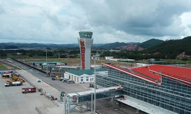 Cảng hàng không quốc tế Vân Đồn hiện có đường cất hạ cánh dài nhất trong các sân bay trên cả nước