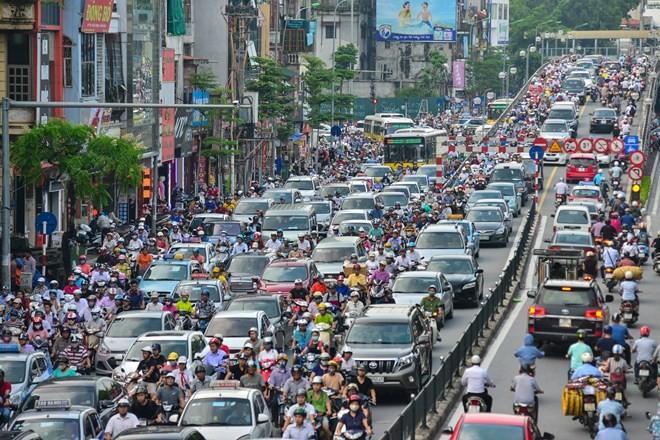 Hà Nội đang xây dựng cơ chế, chính sách để có thể thực hiện giải pháp hạn chế phương tiện cá nhân giảm ùn tắc giao thông