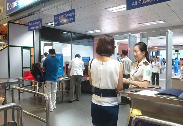 Kiểm tra an ninh tại sân bay
