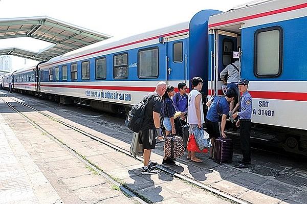 Đường sắt tăng 130 chuyến tàu phục vụ người dân đi lại dịp nghỉ lễ 30-4