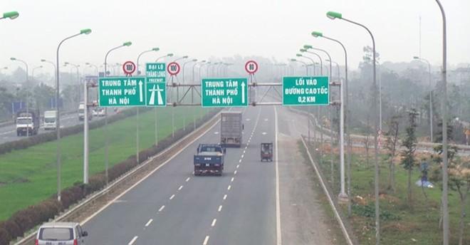 Sở GTVT Hà Nội cho biết, xuất hiện tình trạng phá hoại hàng rào hộ lan Đại lộ Thăng Long