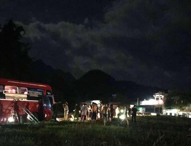 Vụ tai nạn thảm khốc giữa xe khách giường nằm và xe tải trên QL6 đoạn qua Hòa Bình