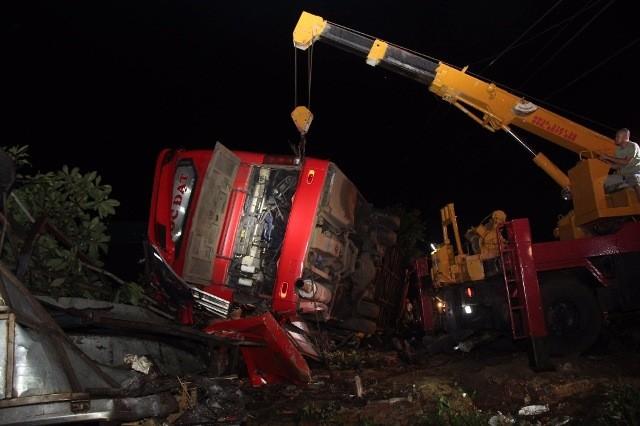 """Tại thời điểm tai nạn, chiếc xe khách được cho là đang chạy """"dù"""""""