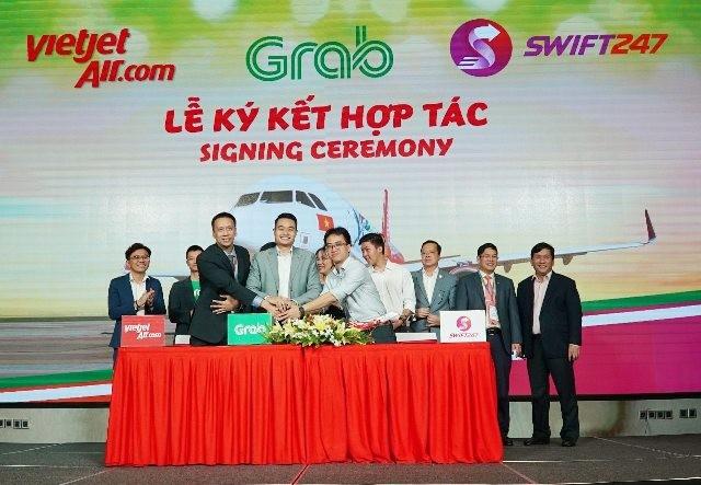Đại diện Vietjet Air và Grab cùng Swift247 ký thỏa thuận hợp tác